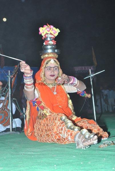 Cultrual Dance event ending ceremoney of Camel Festival 2011 held at Dr Karni Singh Stadium, Bikaner
