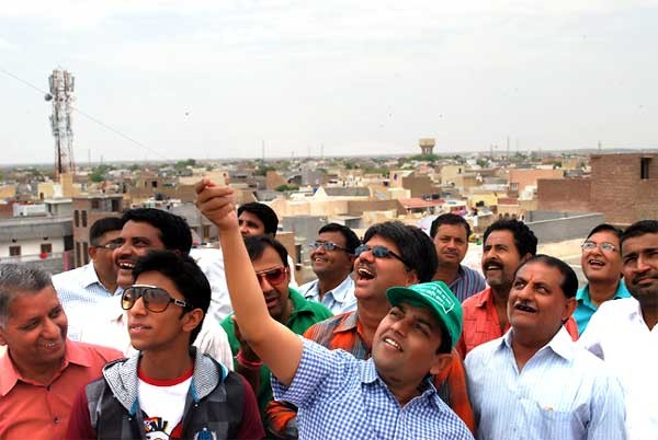 DM Dr Pritviraj Celebrate Bikaner Birthday with Kiting