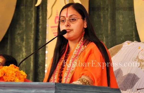 Bhagwat recitater Miss Vaishnav Bharti at Kamdhenu Guashala, Bikaner