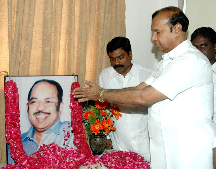 The Chairperson, UPA, Smt. Sonia Gandhi paid homage to Late Shri Murasoli Maran on his 73rd birth