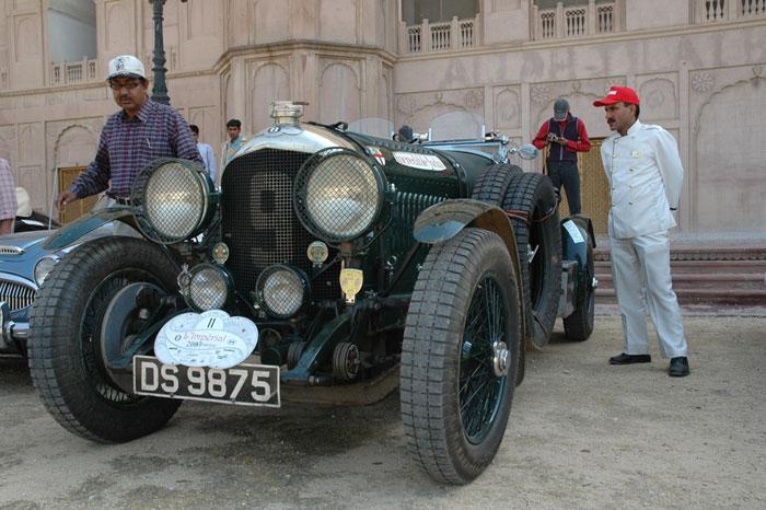 Vintage car rally in Bikaner