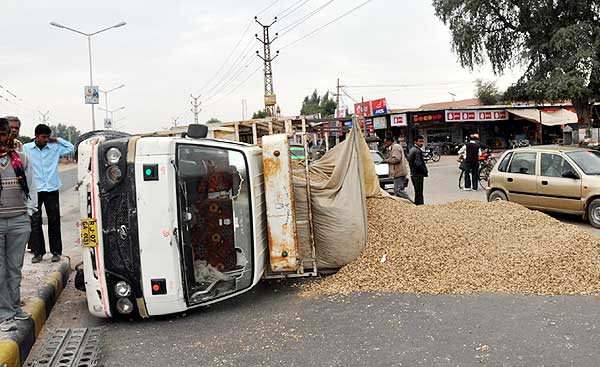 A groundnut overloaded truck accident happen during Road Safety Week in Bikaner