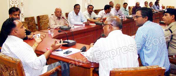 Meeting held to be 100 percent Voting in Election 2014