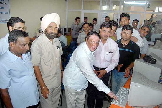 Janardan Kalla Inaugurating the Computer Institute Clevex Infosoft at JNV Colony Bikaner