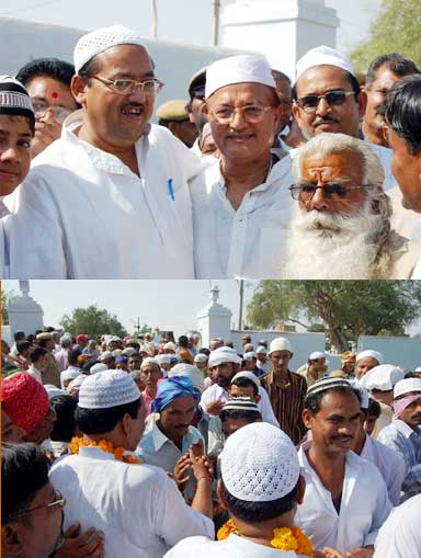 MLA BD Kalla and Ex-MLA Nand Lal Vyas wishing Muslims religious on Eid-ul-Fitra at Eidgaah