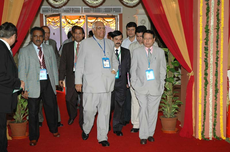 The Speaker, Lok Sabha, Shri Somnath Chatterjee arrives at the lunch hosted by the Union Minister