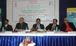 The Additional Director General Tourism, Shri Sanjay Kothari interacting with students on �Earn whil