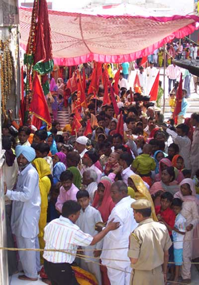 More than 1 lakh pilgrims visited the famous shrine of Jawalamukhi in kangra district of Himachal