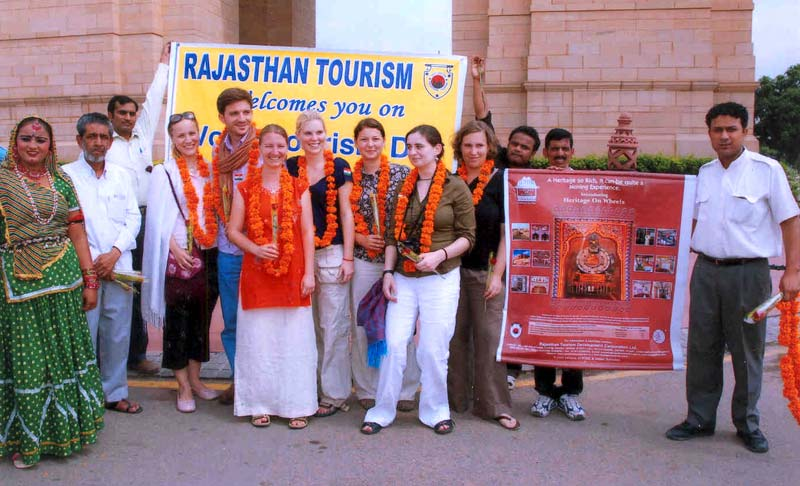 Rajasthan Torusim welcomes of Tourist at India Gate, New Delhi on the occasion of World Tourism Day