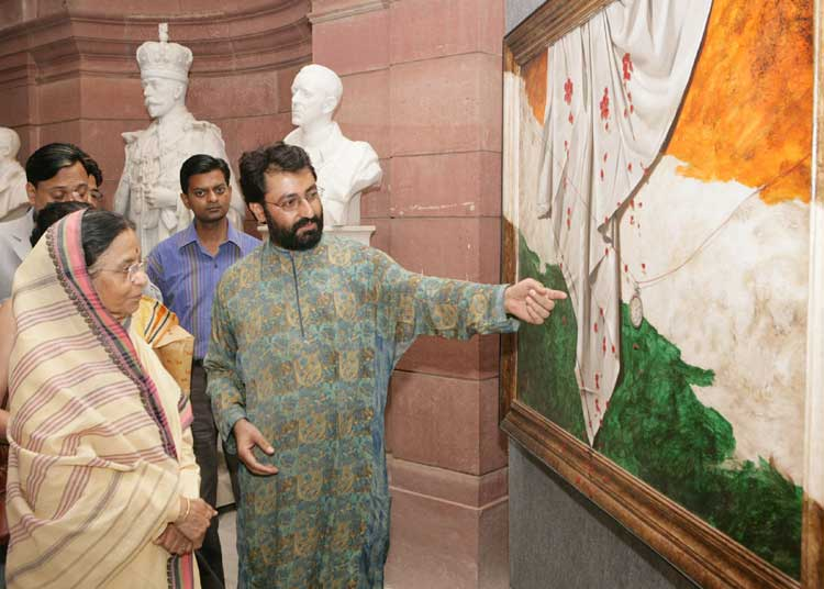 Smt. Patil taking round after inauguration of an exhibition of Modern Paintings and Sculptures