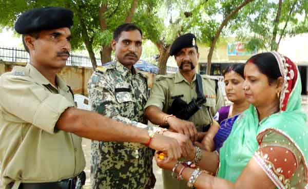 Women Tying the Rakhi to Jawan at Bikaner