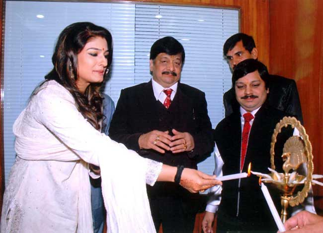 Bollywood Actress Raveena Tandon inaugurating Health Clinic of Dr S K Jain Burlington Clinic