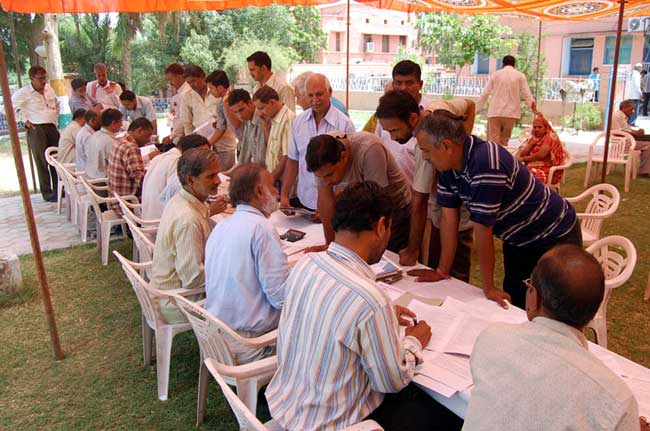 Peoples getting information at Bikaner UIT's Jodbeed Residential Schemes