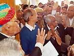 Bikaner Minister in Charge Harjiram Budrak taking High Court Bench demand memorandum from advocates