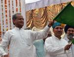 CM Ashok Gehlot shows green flag to launch Bikaner to Delhi Sarai Rohila Express Train