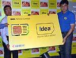Prasant Mishra launching the Idea cellular service in Bikaner