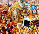 Kalash yatra in the first day of 1008 Kundiya Ashvamedh Yajya started today in Bikaner