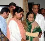 President Patil supports Prabha Roa mourned family