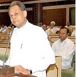 Rajathan CM Ashok Gehlot presenting Budget 2009-10 in State Assembly