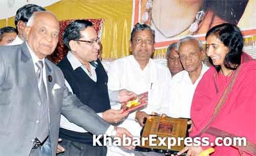 Saadhvi Ritambhara felicitated by Agarwal Chetna Samiti