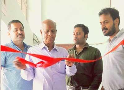 RTI Activist Govind Kiradoo, Basic College Head Amit Vyas, Businessman Dinesh Vyas and Rotarian Pankaj Pareek