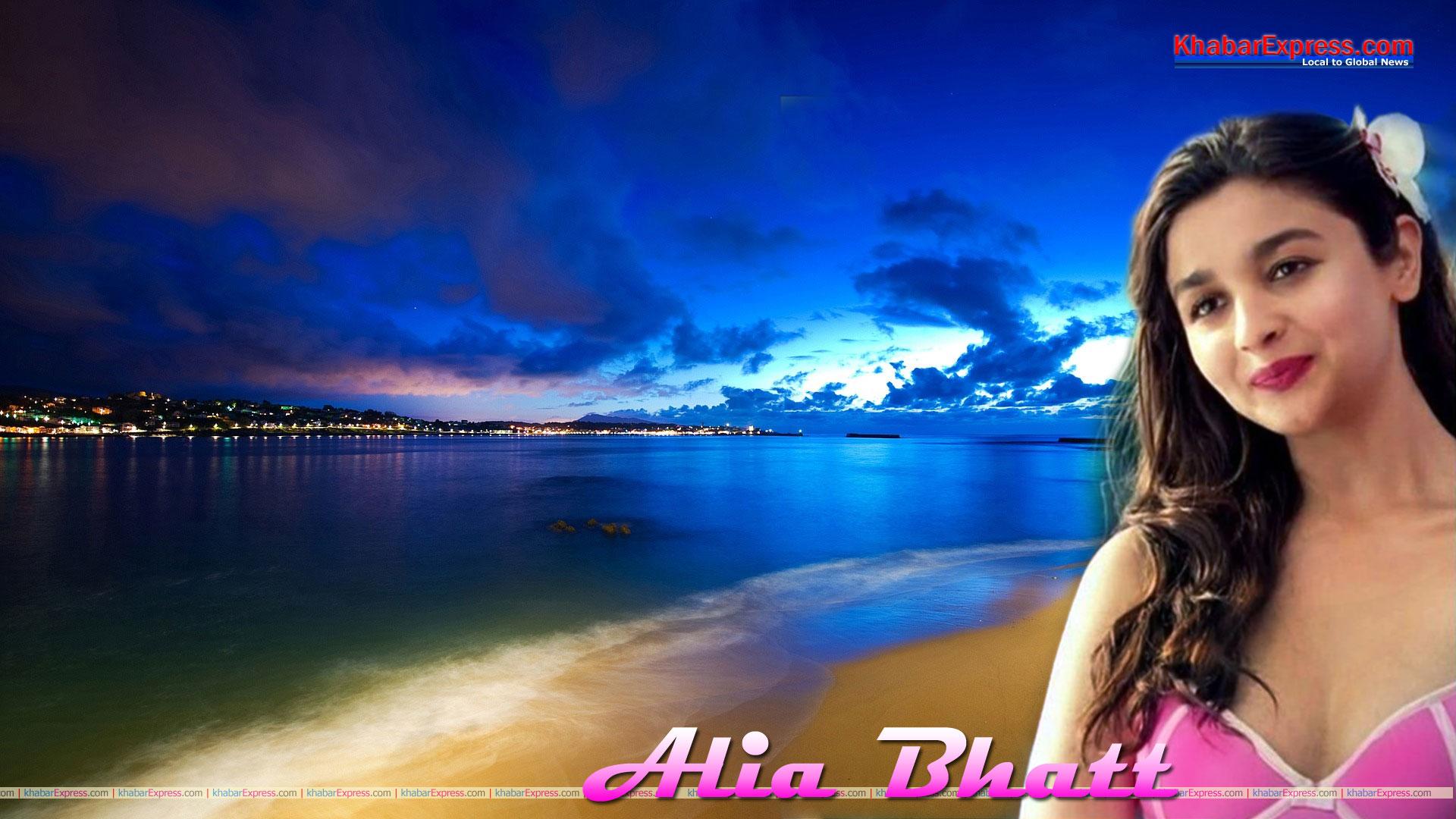 Hot Bollywood Actress Alia Bhatt