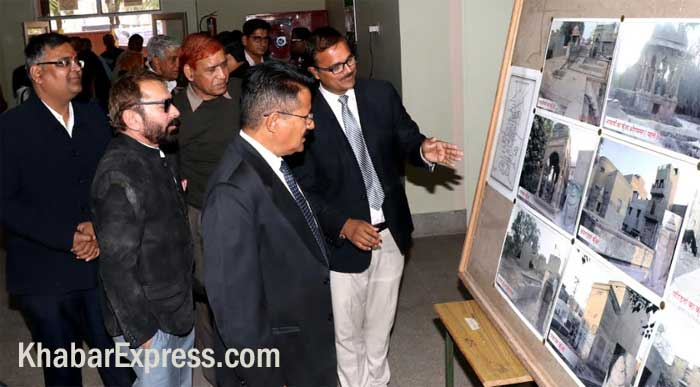 Girraj Singh, Industralist, Sunil Rampuriya Watching Special Images Exhibtion of Archaeology Sites